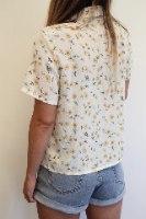 חולצת בלוסום מכופתרת