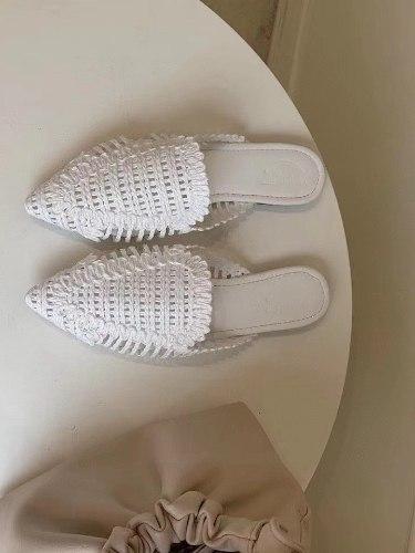 נעלי קש לבנות