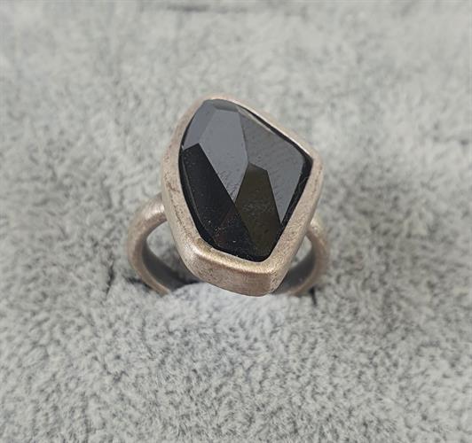 טבעת DANON - קריסטל אדג' שחור(מבצע ללא החלפה)