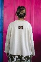 חולצות מדגם איה בצבע אבן