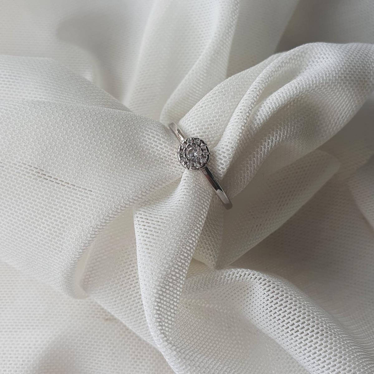 טבעת אנה עגולה משובצת