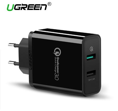 שקע קיר עם שני חיבורי USB מהיר במיוחד של המותג Ugreen