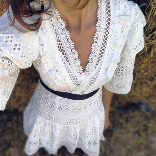 שמלת אנה פס תחרה