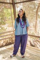 מכנסיים מדגם נור בצבע סגול עם פרנזים
