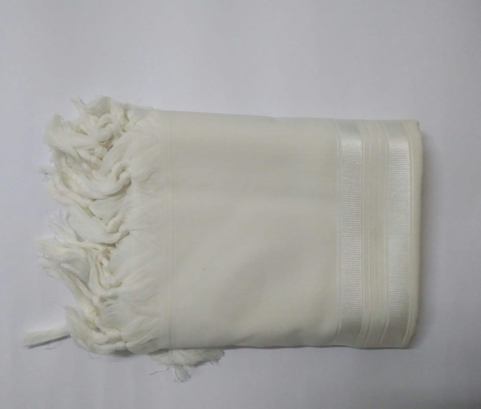 טלית צמר א.א מידה 60 פסים לבן