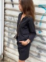 חליפת ברמודה מחויטת שחורה