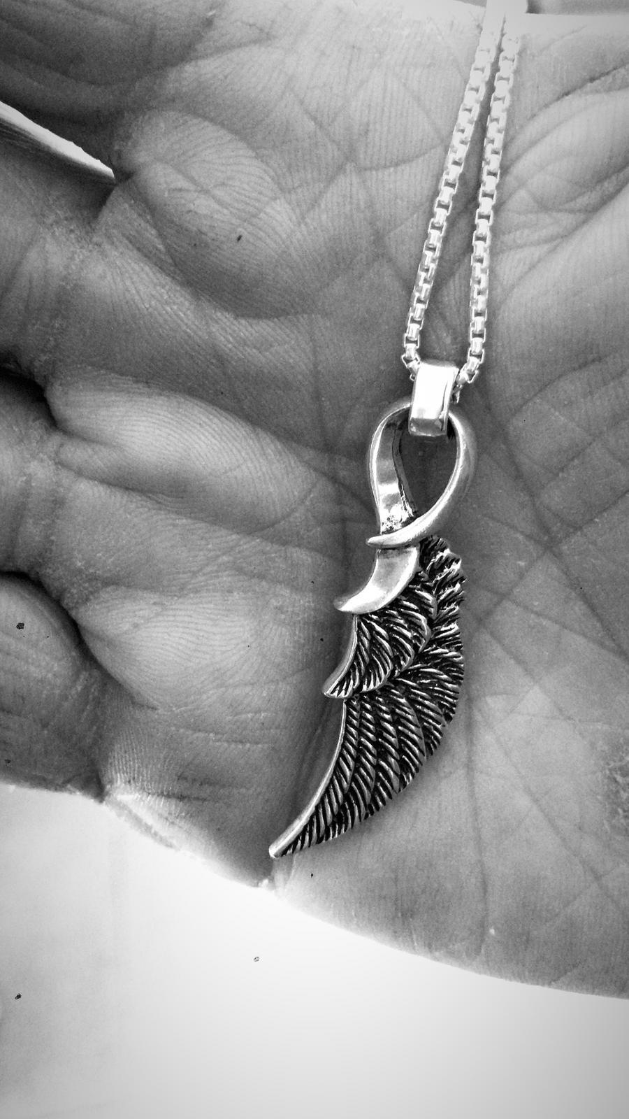 שרשרת כנף זהב