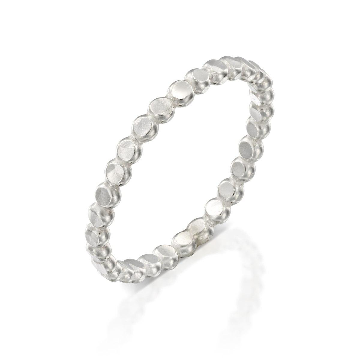 טבעת כסף 925 סוכריות קטנות מרוקעות נועה טריפ noa tripp