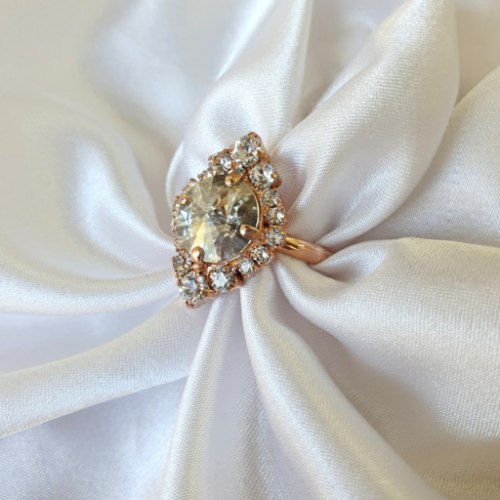 טבעת מלין- קריסטל זהב אדום
