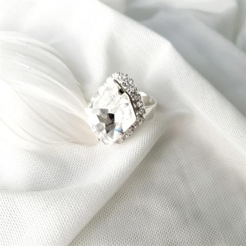 טבעת קריסטין - קריסטל