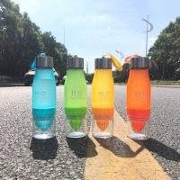 בקבוק לסחיטה והכנת מיצים ומים טבעיים בטעמים