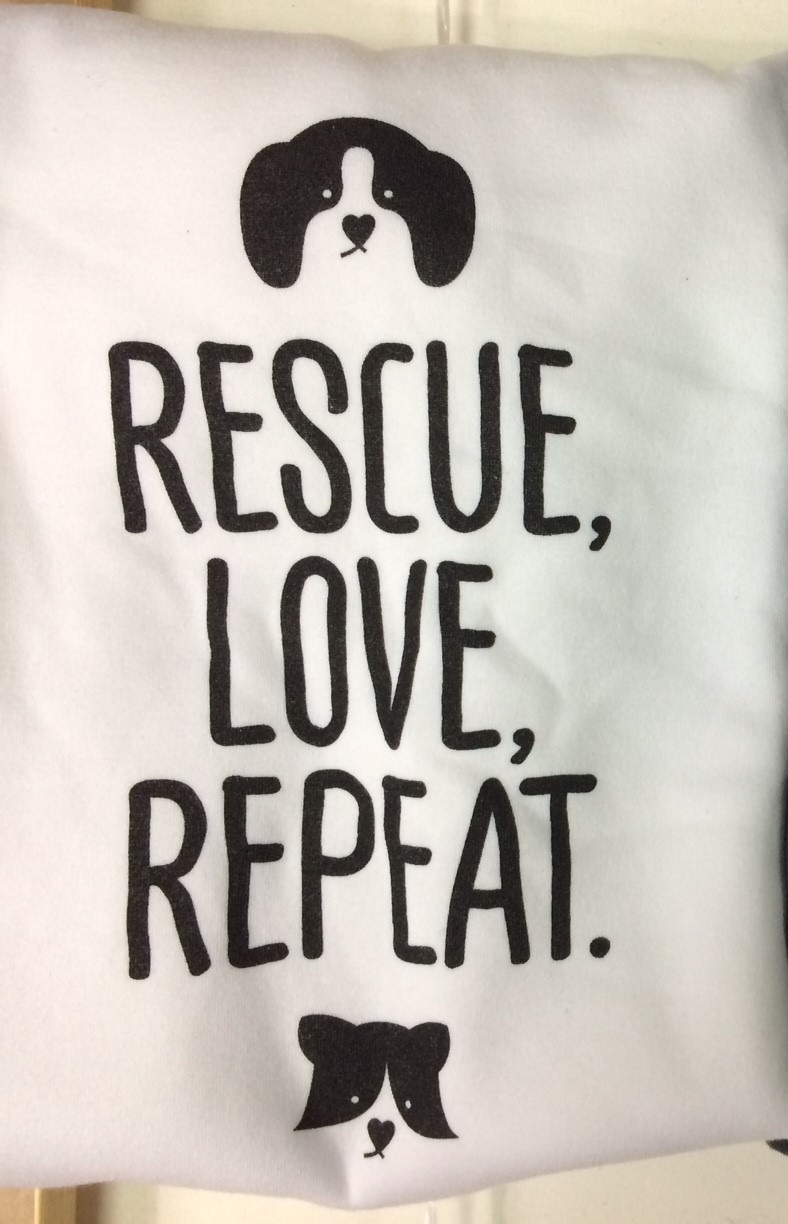 קפוצ'ון לבן RESCUE, LOVE, REPEAT