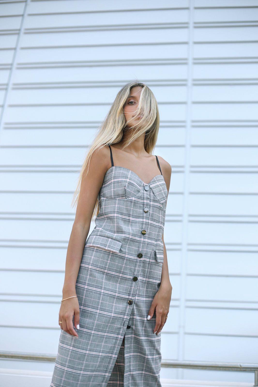 שמלת ג'ולי משבצות