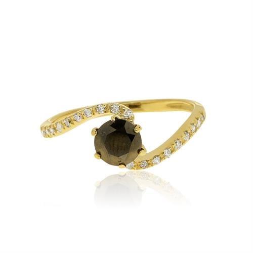טבעת טויסט עם יהלום שחור ויהלומים לבנים בזהב 14 קראט