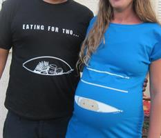 חולצת קוקובו לגבר- Eating For Two - אוכל בשביל שניים...חולצה מדליקה לאבא שבדרך. חולצה מלאת הומור!