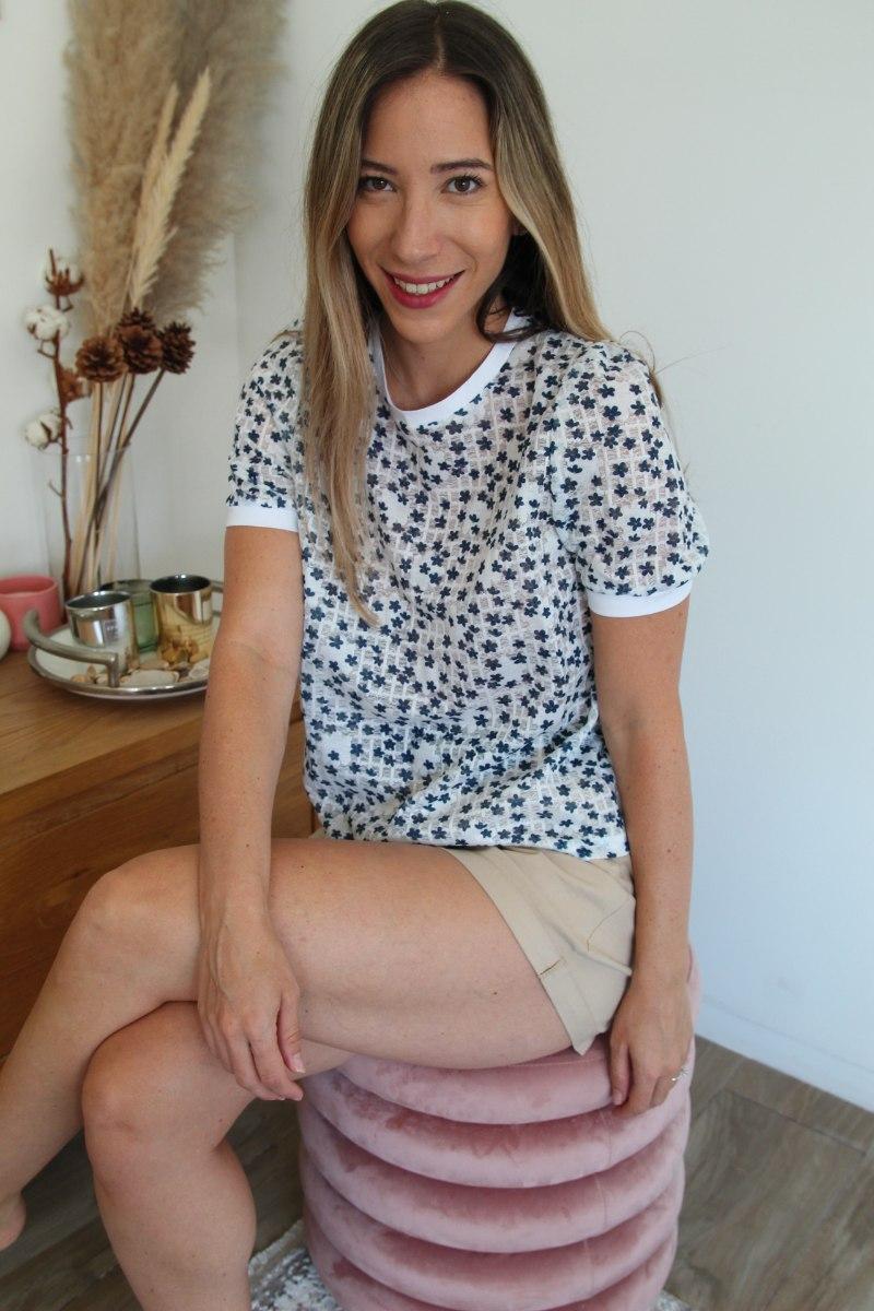 חולצת בלוסום לבנה