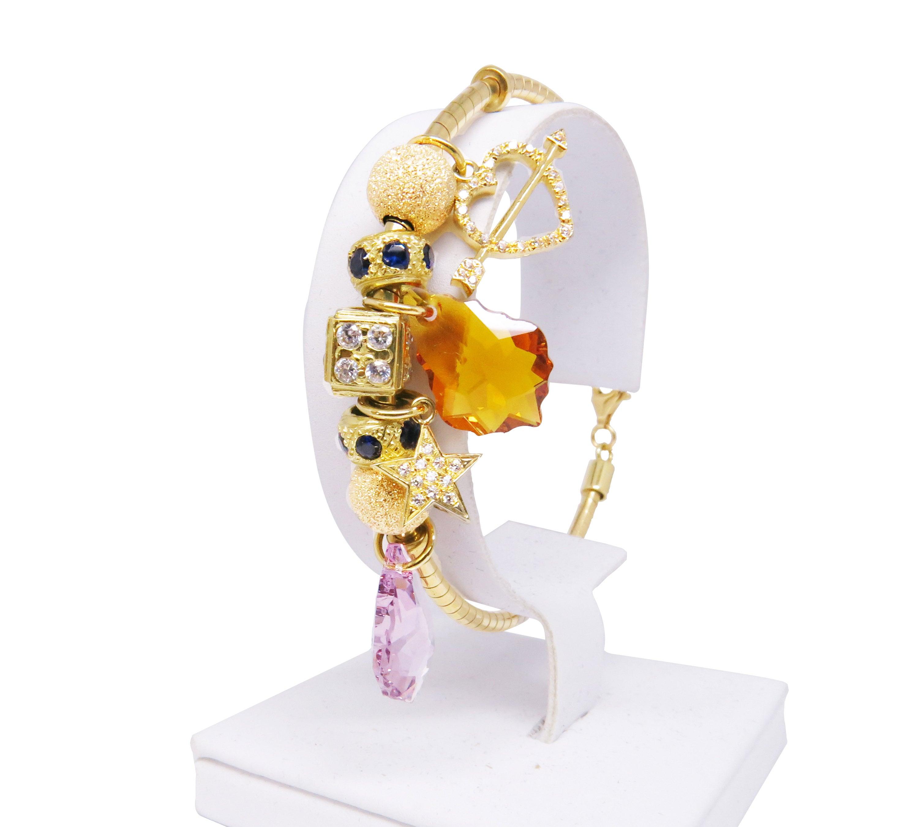 צמיד יד זהב 14K עם תליונים שונים