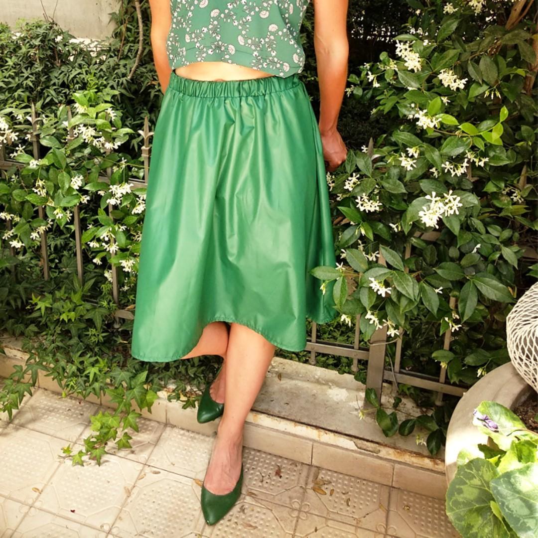 חצאית ניילון יפני ירוקה