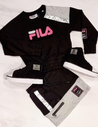חליפת חצאית שחור משולב FILA (6-16)