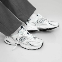 New Balance 530 Trainers