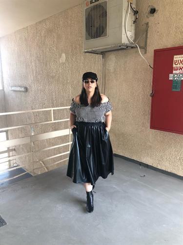 חצאית לורי שחורה