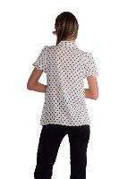חולצה בתאל לבנה