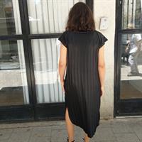 שמלת מאונטן כסופה שרוול קצר