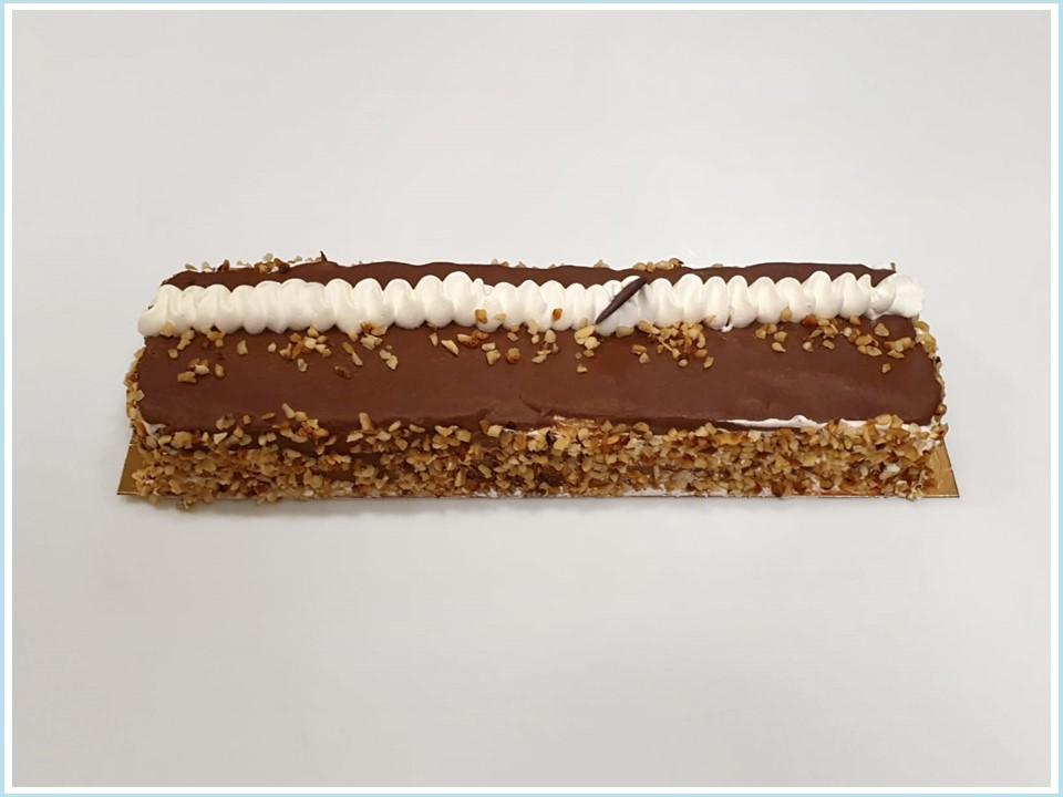 עוגת פס שוקולד וקצפת חגיגית - מוצר לפסח (חשש קטניות)