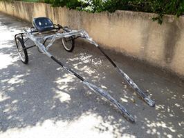 כרכרת אימון לסוס עם כסא יחיד
