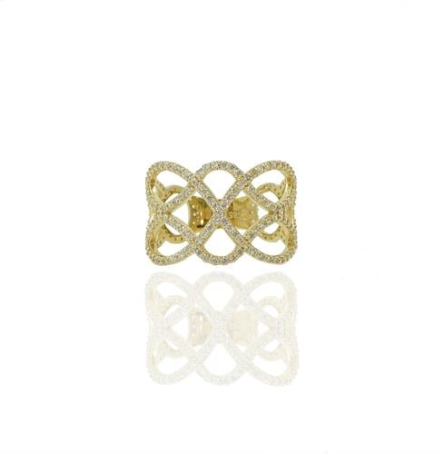 טבעת זהב רחבה מעוצבת עם פתחים מעוגלים זהב ומשובצת זרקונים