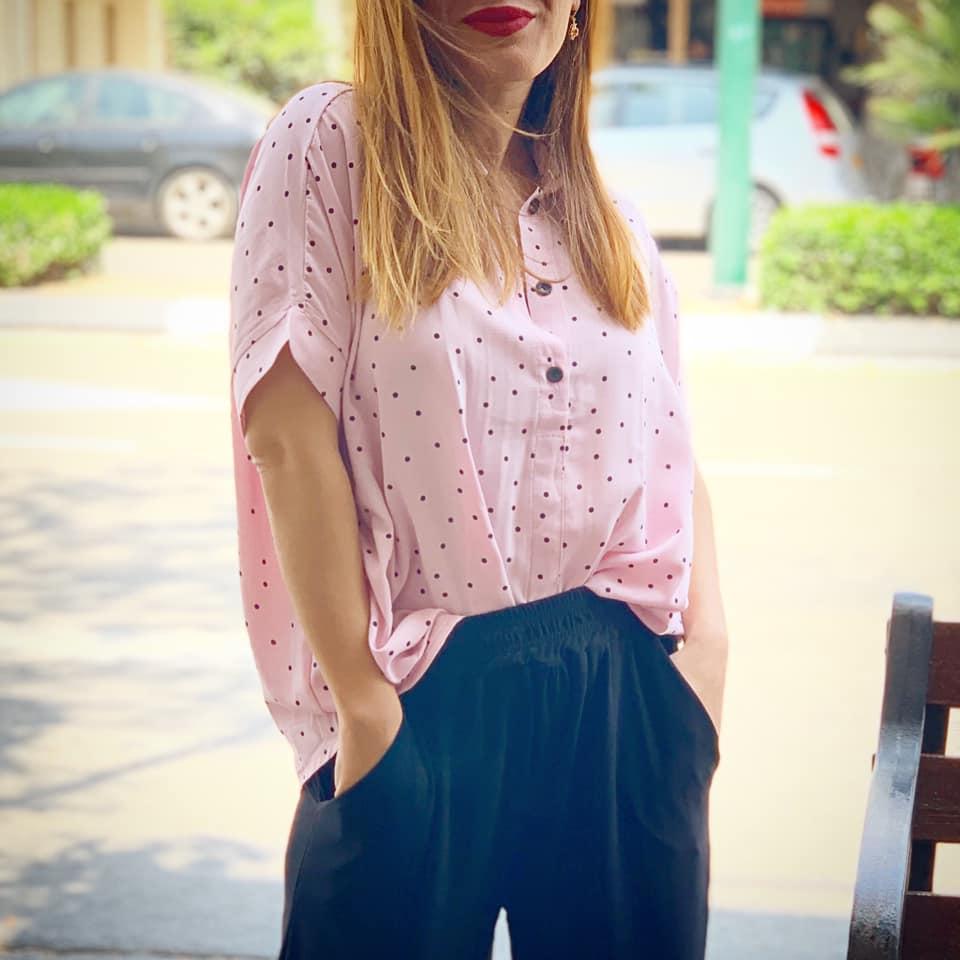 חולצת ליני סיסטרס - ורוד נקודות