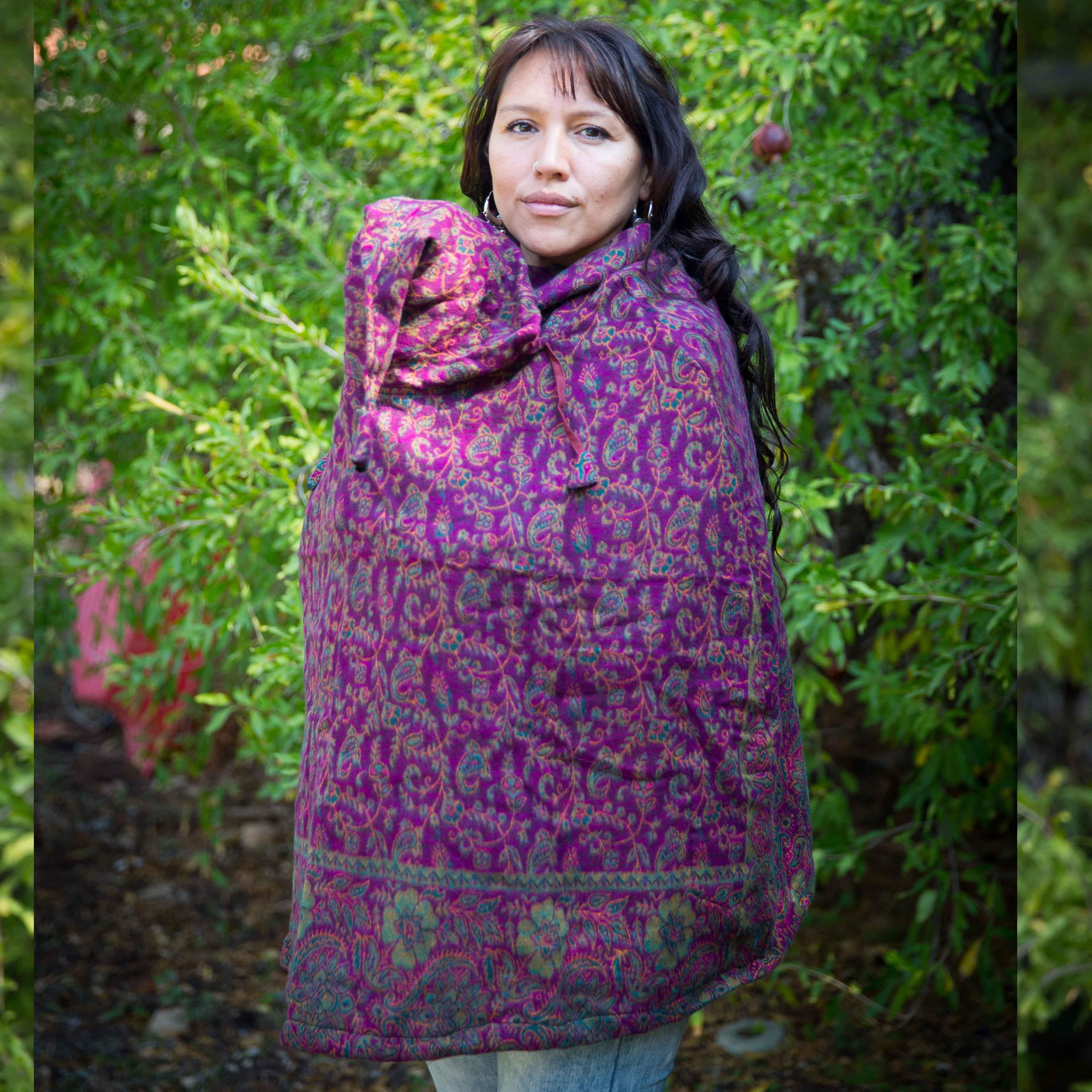 פונצ'ו Babywearing של רוצים משהו מהודו - בד שאל פוקסיה ירוק
