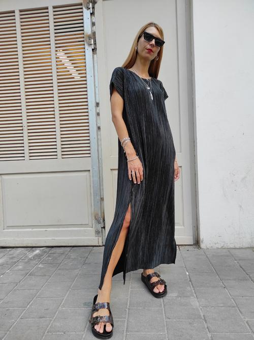 שמלת NAM - פליסה שחור