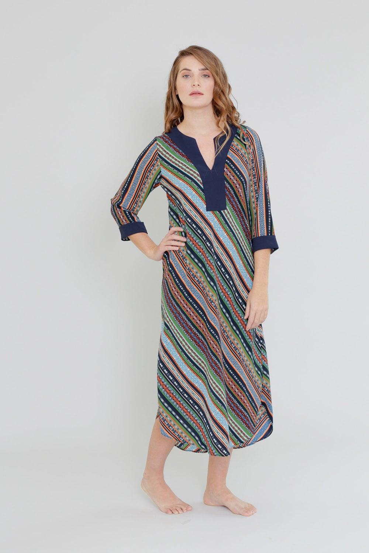 שמלת רקפת בהדפס פסים צבעוני