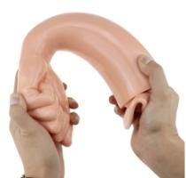 יד ענקית לפיסט בצבע בהיר