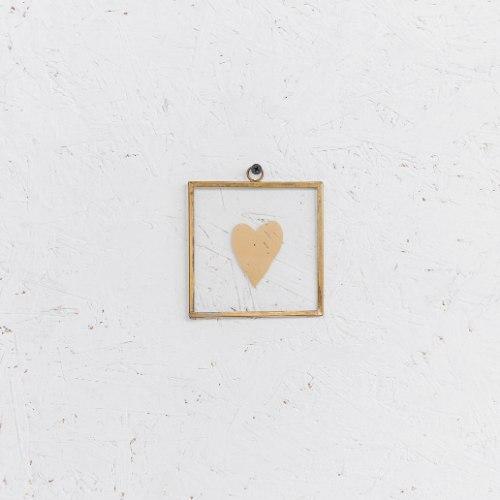 שלט זכוכית קטנטן - לב (זהב)
