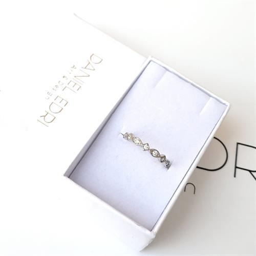 טבעת סתיו משובצת