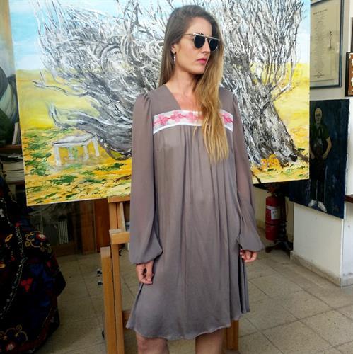 שמלת לימה אפרפרה בשילוב קרושה