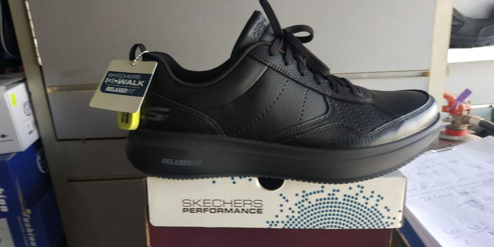 Skechers סקצ'רס דגם הליכה לגברים Relaxed fit