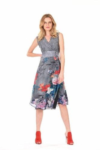 שמלה מעטפת