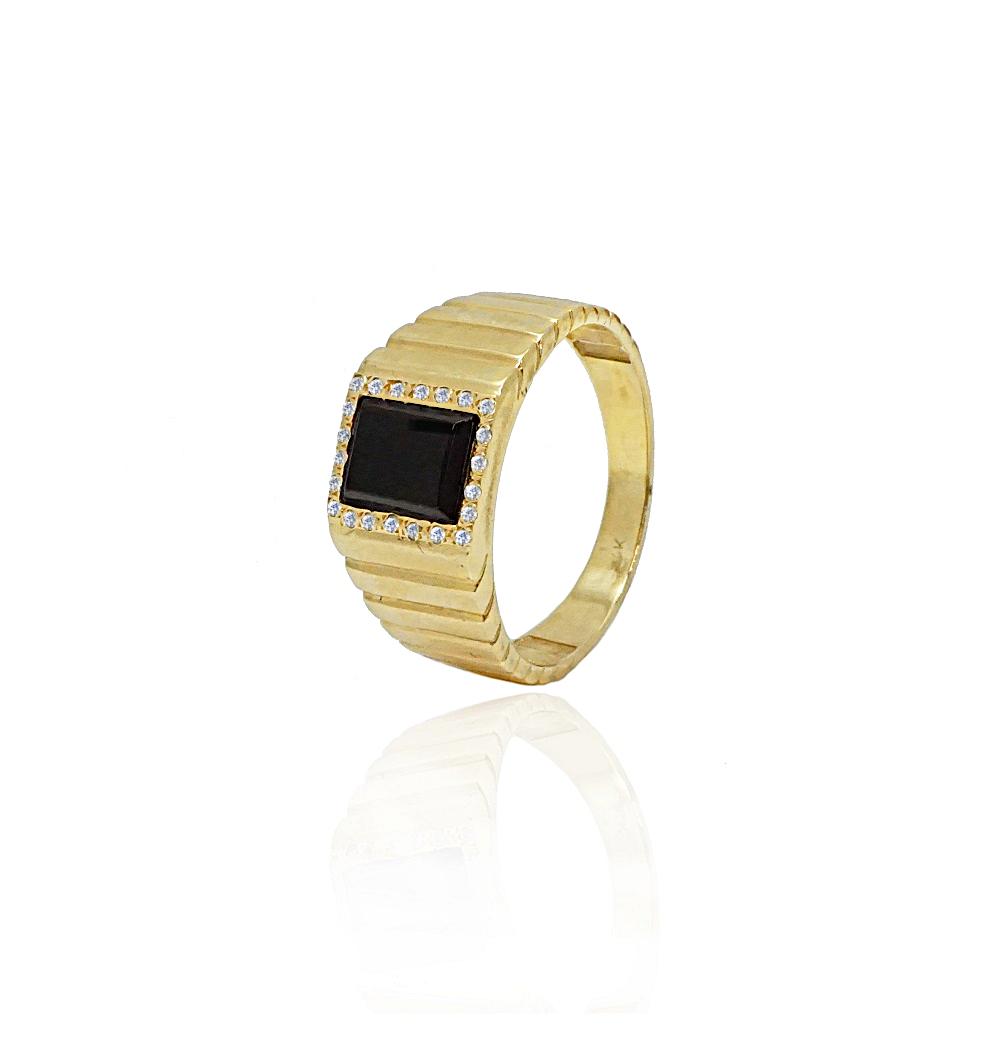 טבעת זהב לגבר │טבעת אוניקס מלבנית ויהלומים לגבר בזהב 14K
