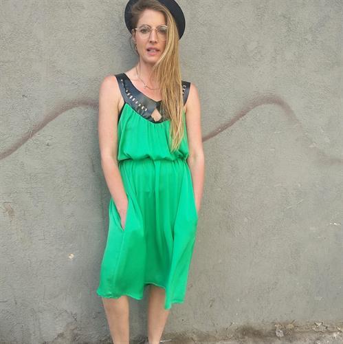 שמלת לילה קצרה ירוקה