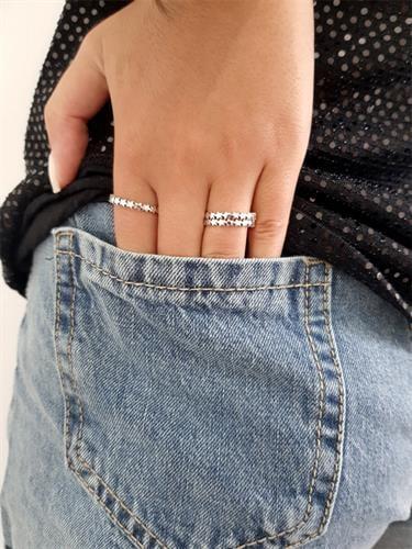 טבעת כוכבים קטנים