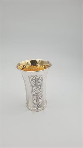 גביע קידוש מכסף טהור משטחים מעוטרים