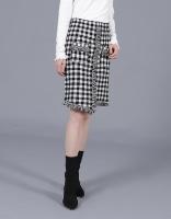 חצאית משובצת