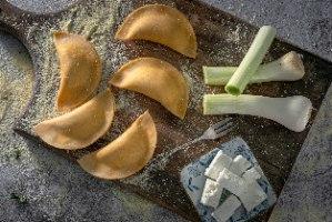 סהרוני גבינה וכרישה מאודה 400 גר'