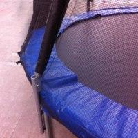 טרמפולינה מקצועית מותג ספירלה הסדרה המתקפלת כולל סולם רשת הגנה פנימית, כיסוי מגן לקפיצים ופתח לכניסה