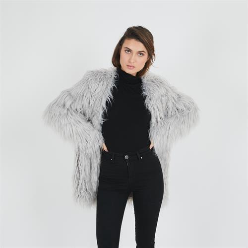מעיל פרווה ארוך אפור