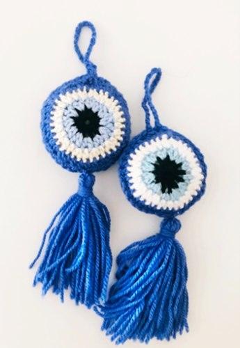 עין סרוגה, מתלה עין בכחול, מתלה עין לברכה ונגד עין הרע, העין הטובה סרוגה , עיניים סרוגות,מחזיק עין, זוג מתלי עין , מתלה עין מתנה