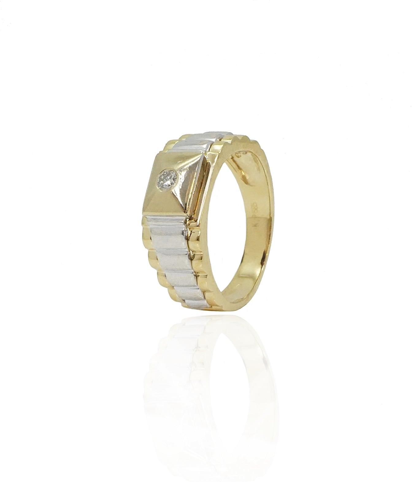 טבעת זהב צהוב ולבן לגבר משובצת יהלום 0.08 קראט
